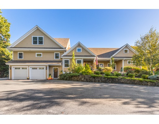 Single Family Home for Sale at 19 Arrowhead Road 19 Arrowhead Road Marblehead, Massachusetts 01945 United States