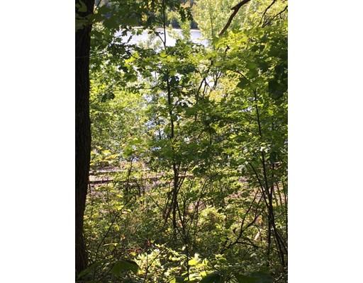 Terrain pour l Vente à Rogers Field Road Rogers Field Road Clinton, Massachusetts 01510 États-Unis