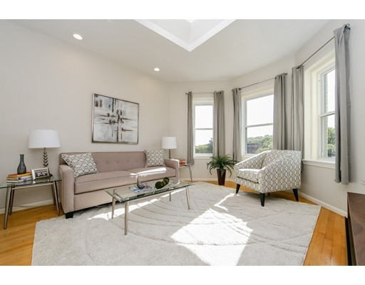 شقة بعمارة للـ Sale في 1427 Commonwealth Avenue 1427 Commonwealth Avenue Boston, Massachusetts 02135 United States