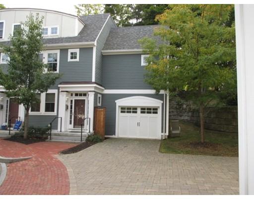 Maison accolée pour l à louer à 129 Merrimac Street #12 129 Merrimac Street #12 Newburyport, Massachusetts 01950 États-Unis