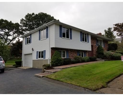 Частный односемейный дом для того Продажа на 96 John Paul Circle 96 John Paul Circle Braintree, Массачусетс 02184 Соединенные Штаты