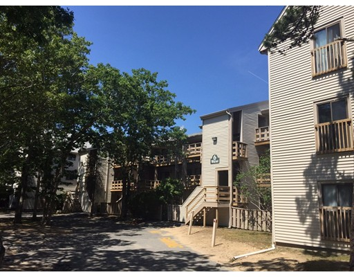 Additional photo for property listing at 800 Bearses Way  Barnstable, Massachusetts 02601 United States
