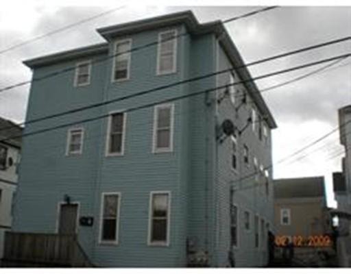 متعددة للعائلات الرئيسية للـ Sale في 182 BLACKSTONE STREET 182 BLACKSTONE STREET Fall River, Massachusetts 02724 United States