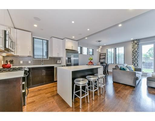 Condomínio para Venda às 34 Chestnut Avenue 34 Chestnut Avenue Boston, Massachusetts 02130 Estados Unidos