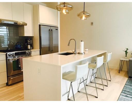 شقة بعمارة للـ Sale في 32 Traveler Street 32 Traveler Street Boston, Massachusetts 02118 United States