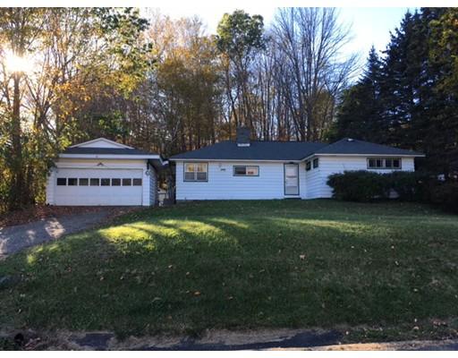 Maison unifamiliale pour l Vente à 8 William Street 8 William Street Chester, Massachusetts 01011 États-Unis