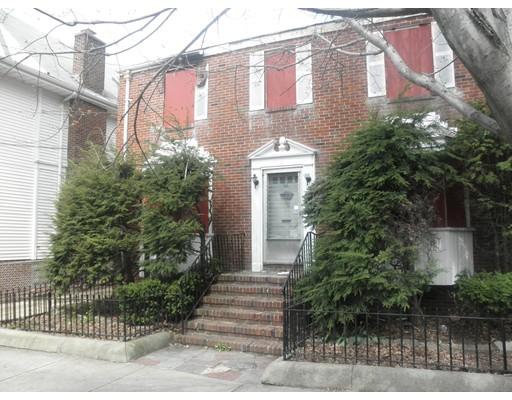 独户住宅 为 销售 在 34 Streetuart Street 34 Streetuart Street Everett, 马萨诸塞州 02149 美国