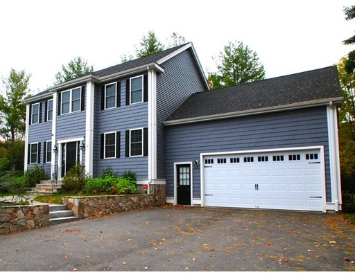Частный односемейный дом для того Продажа на 20 Cedar Street 20 Cedar Street Hanover, Массачусетс 02339 Соединенные Штаты