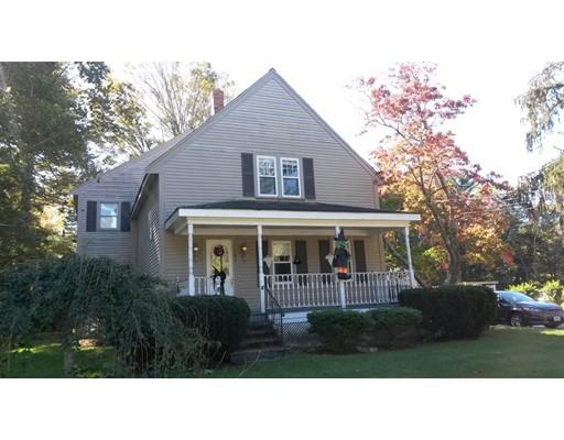 Maison unifamiliale pour l Vente à 197 Carver Street 197 Carver Street Raynham, Massachusetts 02767 États-Unis