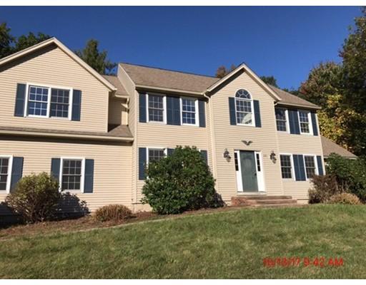 واحد منزل الأسرة للـ Sale في 135 Prescott Street 135 Prescott Street West Boylston, Massachusetts 01583 United States