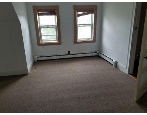 Additional photo for property listing at 7 Dennison St #3 7 Dennison St #3 Boston, Massachusetts 02119 Estados Unidos