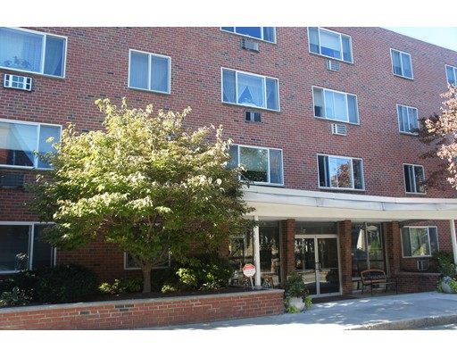 Condominio por un Venta en 50 Green 50 Green Brookline, Massachusetts 02446 Estados Unidos