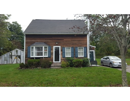 Casa Unifamiliar por un Venta en 141 S Main Street 141 S Main Street Freetown, Massachusetts 02702 Estados Unidos