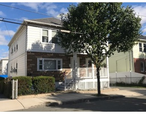 多户住宅 为 销售 在 14 Shirley Street 14 Shirley Street Everett, 马萨诸塞州 02149 美国