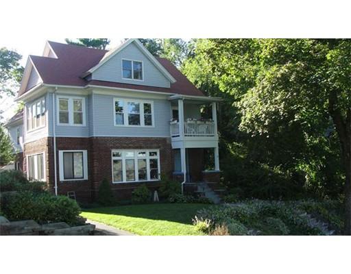 独户住宅 为 出租 在 8 Tahanto Road 伍斯特, 马萨诸塞州 01602 美国