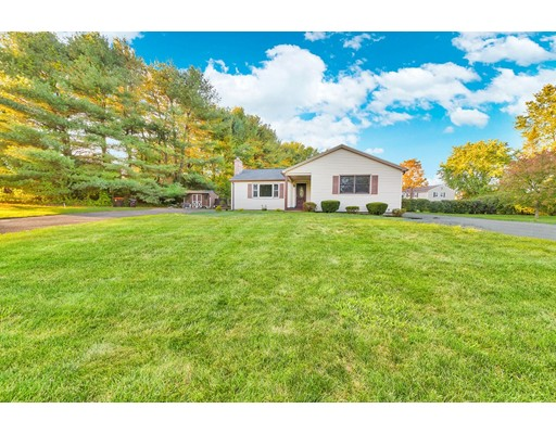 Single Family Home for Sale at 23 White Fox Road 23 White Fox Road Agawam, Massachusetts 01030 United States