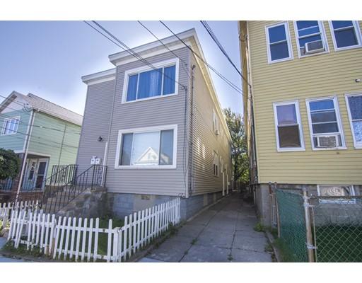 多户住宅 为 销售 在 32 Arlington Street 32 Arlington Street Everett, 马萨诸塞州 02149 美国