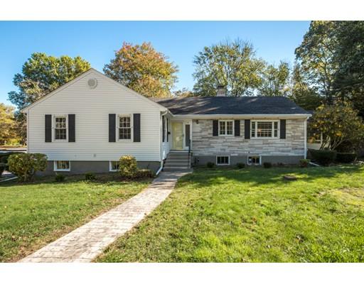 Частный односемейный дом для того Продажа на 19 Longbow Road 19 Longbow Road Lynnfield, Массачусетс 01940 Соединенные Штаты