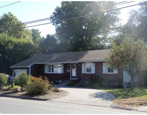 Maison unifamiliale pour l Vente à 475 Upham Street 475 Upham Street Melrose, Massachusetts 02176 États-Unis