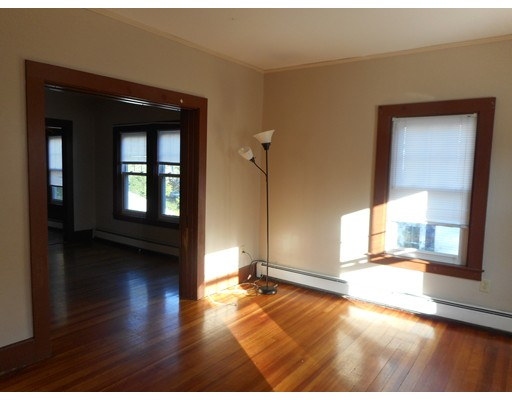 独户住宅 为 出租 在 15 Reland Street Middleboro, 02346 美国