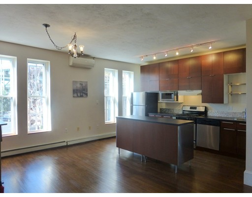 Additional photo for property listing at 60 Beacon St #3 60 Beacon St #3 Chelsea, Массачусетс 02150 Соединенные Штаты