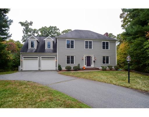 واحد منزل الأسرة للـ Sale في 75 Patricks Run 75 Patricks Run Stoughton, Massachusetts 02072 United States