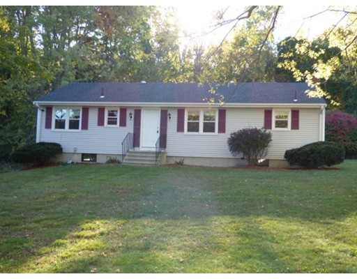 Casa Unifamiliar por un Venta en 3 Clover Hill Drive 3 Clover Hill Drive Chelmsford, Massachusetts 01824 Estados Unidos