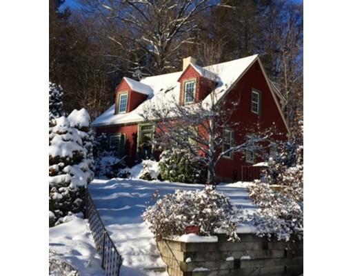 Casa Unifamiliar por un Venta en 280 Country Club Road 280 Country Club Road Greenfield, Massachusetts 01301 Estados Unidos