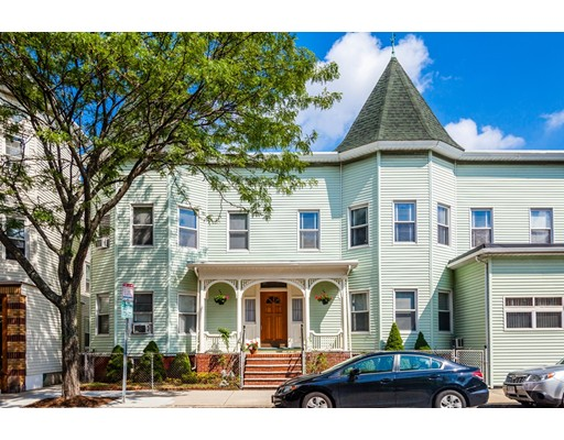 Casa Multifamiliar por un Venta en 255 Highland Avenue 255 Highland Avenue Somerville, Massachusetts 02143 Estados Unidos