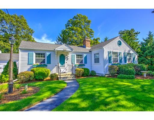 Casa Unifamiliar por un Venta en 100 Higgins Crowell 100 Higgins Crowell Yarmouth, Massachusetts 02673 Estados Unidos