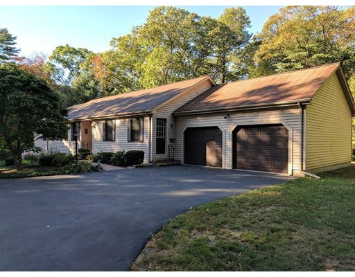 Single Family Home for Sale at 1 Foundry Pond Road Foxboro, Massachusetts 02035 United States