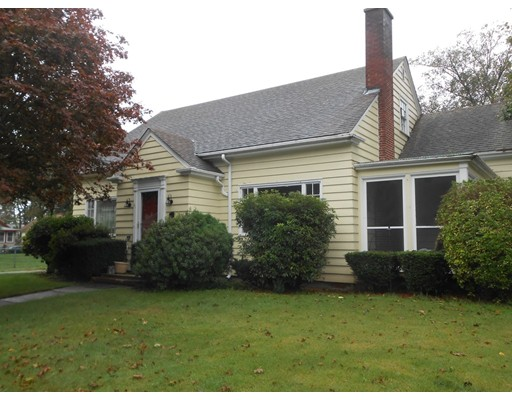 واحد منزل الأسرة للـ Sale في 31 Hanson Street 31 Hanson Street Fall River, Massachusetts 02720 United States