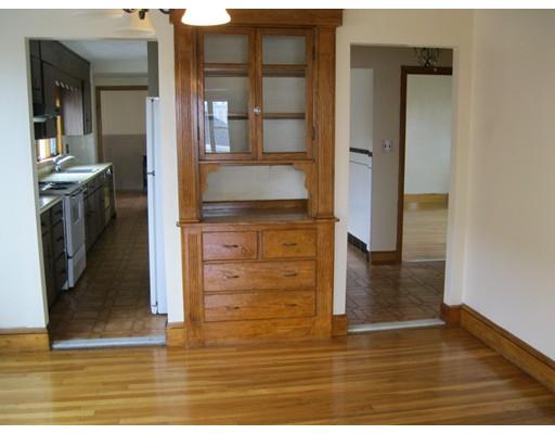 Casa Unifamiliar por un Alquiler en 88 Ten Hills Road Somerville, Massachusetts 02145 Estados Unidos