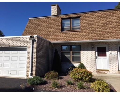 Condominio por un Venta en 28 Granby Hts 28 Granby Hts Granby, Massachusetts 01033 Estados Unidos