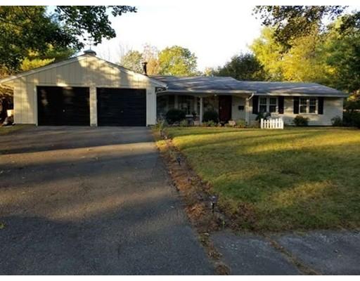 واحد منزل الأسرة للـ Sale في 29 Cornell Road 29 Cornell Road Danvers, Massachusetts 01923 United States
