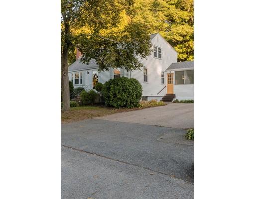 Частный односемейный дом для того Продажа на 22 Holly Road 22 Holly Road Braintree, Массачусетс 02184 Соединенные Штаты
