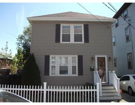 واحد منزل الأسرة للـ Sale في 71 Linden Street 71 Linden Street Fall River, Massachusetts 02720 United States
