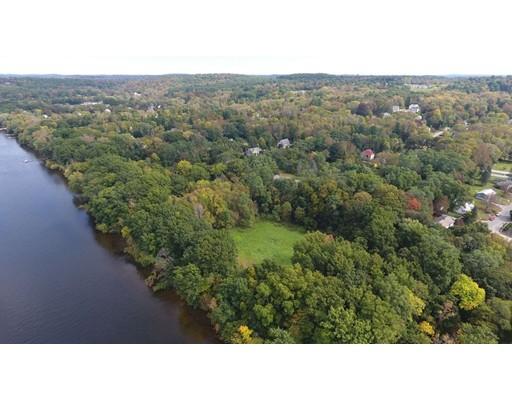 Terrain pour l Vente à Address Not Available Groveland, Massachusetts 01834 États-Unis