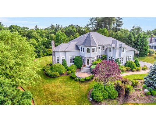 Maison unifamiliale pour l Vente à 76 Mill Brook Avenue 76 Mill Brook Avenue Walpole, Massachusetts 02081 États-Unis