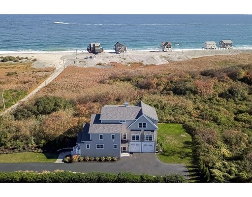 Single Family Home for Sale at 124 Mann Hill Road 124 Mann Hill Road Scituate, Massachusetts 02066 United States