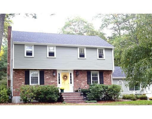 Additional photo for property listing at 10 Woodlock Road 10 Woodlock Road Canton, Massachusetts 02021 Estados Unidos