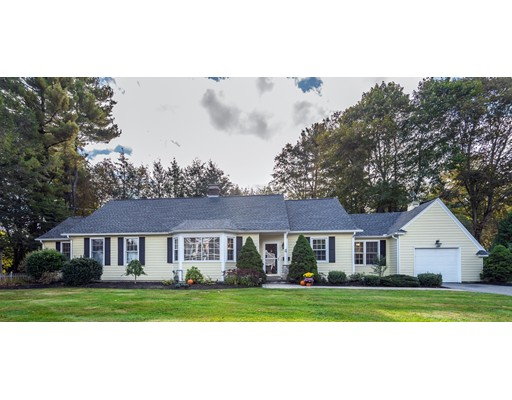 Single Family Home for Sale at 4 HIDDEN ROAD 4 HIDDEN ROAD Andover, Massachusetts 01810 United States