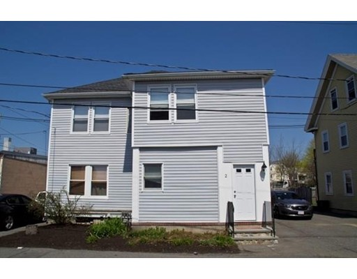 Apartamento por un Alquiler en 2 Lummus Ave #1 2 Lummus Ave #1 Danvers, Massachusetts 01923 Estados Unidos
