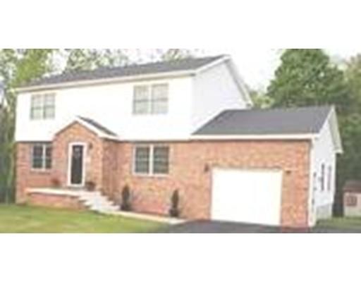 واحد منزل الأسرة للـ Sale في 19 Keith Circle 19 Keith Circle Ludlow, Massachusetts 01056 United States
