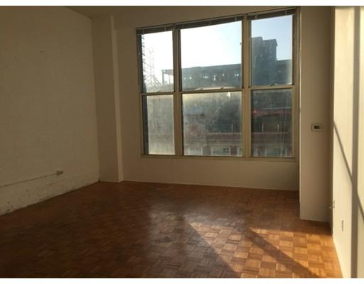 Additional photo for property listing at 61 Brookline Avenue  Boston, Massachusetts 02215 Estados Unidos