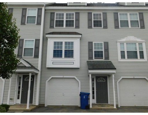 共管式独立产权公寓 为 销售 在 22 Merrimac Way 22 Merrimac Way Tyngsborough, 马萨诸塞州 01879 美国
