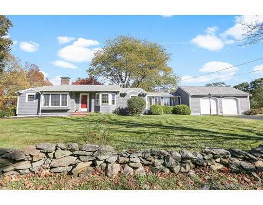 Single Family Home for Sale at 102 Garden Street 102 Garden Street West Newbury, Massachusetts 01985 United States