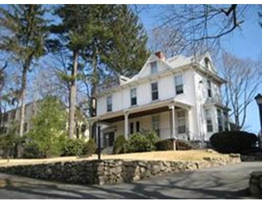 Casa Unifamiliar por un Alquiler en 35 FLORENCE STREET Natick, Massachusetts 01760 Estados Unidos