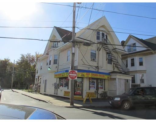 Maison avec plusieurs logements pour l Vente à 64 Berkeley Street 64 Berkeley Street Lawrence, Massachusetts 01841 États-Unis
