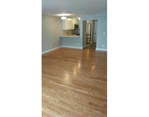 Appartement en copropriété pour l à louer à 24 South Street #27 24 South Street #27 Medford, Massachusetts 02155 États-Unis